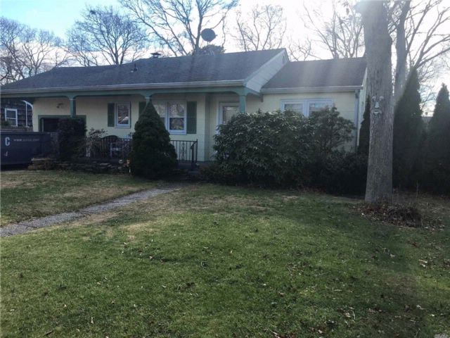 2 BR,  1.00 BTH  Ranch style home in Hampton Bays