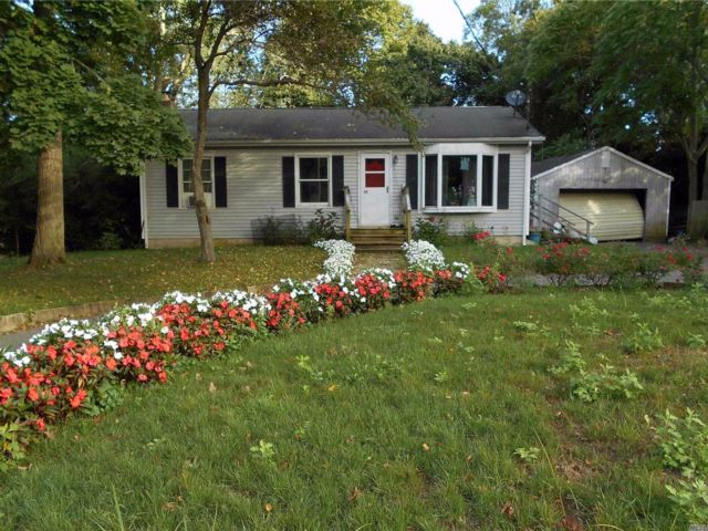 2 BR,  2.00 BTH  Ranch style home in Jamesport